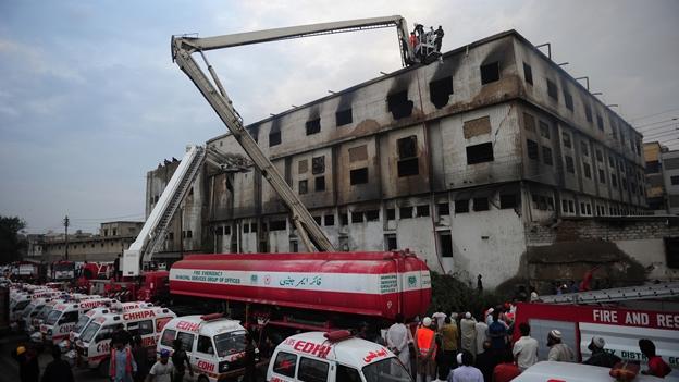 329incendio-fabrica-pakistan-karchi