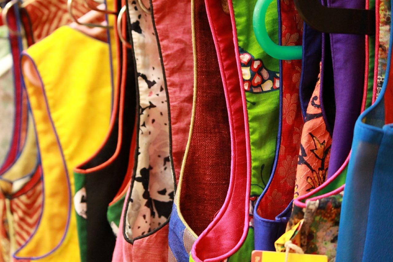 clothes-563900_1280